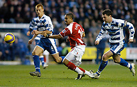 Photo: Gareth Davies.<br />Reading v Charlton Athletic. The Barclays Premiership. 18/11/2006.<br />Charlton's Jerome Thomas (C) has a shot at the Reading goal.