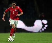 Fotball<br /> VM-kvalifisering<br /> Azerbaijan / Aserbaijan v England<br /> 13.10.2004<br /> Foto: BPI/Digitalsport<br /> NORWAY ONLY<br /> <br /> 13/10/2004 Azerbaijan v England, World Cup Qualifier, Tofiq Berhamov Stadium<br /> <br /> Jermaine Jenas puts one foot forward