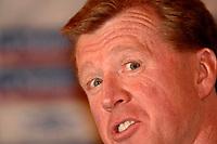 Photo: Richard Lane<br />England Press Conference. 10/10/2006. <br />England Head Coach, Steve McClaren.