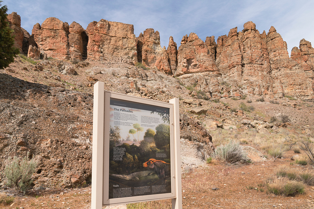 Interpretive sign at Clarno Unit, John Day Fossil Beds National Monument Oregon