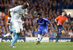 28.09.2010, Stamford Bridge, London, ENG, UEFA Champions League, Chelsea vs Olympique Marseille, im Bild Chelsea's Ghanaian footballer Michael Essien in action against Marseille. EXPA Pictures © 2010, PhotoCredit: EXPA/ IPS/ Mark Greenwood +++++ ATTENTION - OUT OF ENGLAND/UK +++++