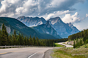 Mt Kidd along Highway 40 (Kananaskis Trail), Peter Lougheed Provincial Park, Alberta, Canada.