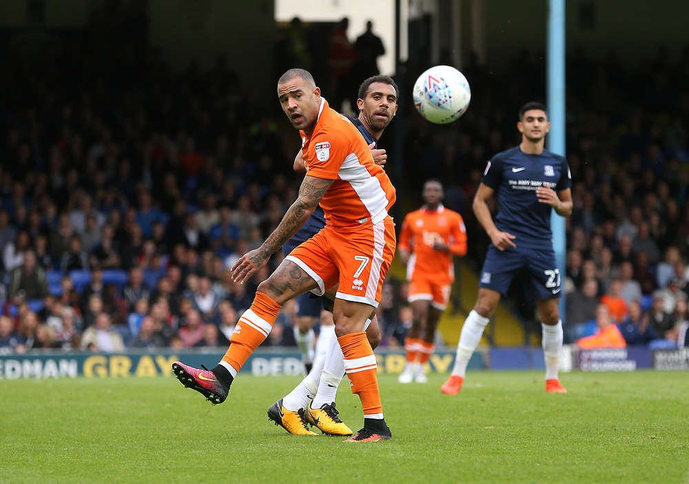 Blackpool's Kyle Vassell and Southend United's Anton Ferdinand<br /> <br /> Photographer Rob Newell/CameraSport<br /> <br /> The EFL Sky Bet League One - Southend United v Blackpool - Saturday 30th September 2017 - Roots Hall - Southend<br /> <br /> World Copyright © 2017 CameraSport. All rights reserved. 43 Linden Ave. Countesthorpe. Leicester. England. LE8 5PG - Tel: +44 (0) 116 277 4147 - admin@camerasport.com - www.camerasport.com