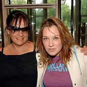 NLD/Amsterdam/20060614 - Haringparty 006 Hilton hotel Amsterdam, Xandra Brood - Janssen, dochter Lola