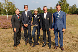 JUNG Michael (GER), RÜDER Kai (GER), KLIMKE Ingrid (GER), DIBOWSKI Andreas (GER), ADOLPHSEN Prof. Dr. Jens (Equipechef)<br /> Luhmühlen - LONGINES FEI Eventing European Championships 2019<br /> Gruppenbild<br /> 1. Verfassungsprüfung<br /> First Horse Inspection<br /> 28. August 2019<br /> © www.sportfotos-lafrentz.de/Stefan Lafrentz