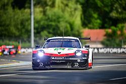 June 3, 2018 - Le Mans, FRANCE - 93 PORSCHE GT TEAM (USA) PORSCHE 911 RSR GTE PRO PATRICK PILET (FRA) NICK TANDY (GBR) EARL BAMBER  (Credit Image: © Panoramic via ZUMA Press)