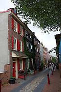 UNITED STATES-PHILADELPHIA-Elfreth's Alley. America's oldest street. PHOTO: GERRIT DE HEUS..VERENIGDE STATEN-PHILADELPHIA- Elfreth's Alley. De oudste bewoonde straat van Amerika. COPYRIGHT GERRIT DE HEUS