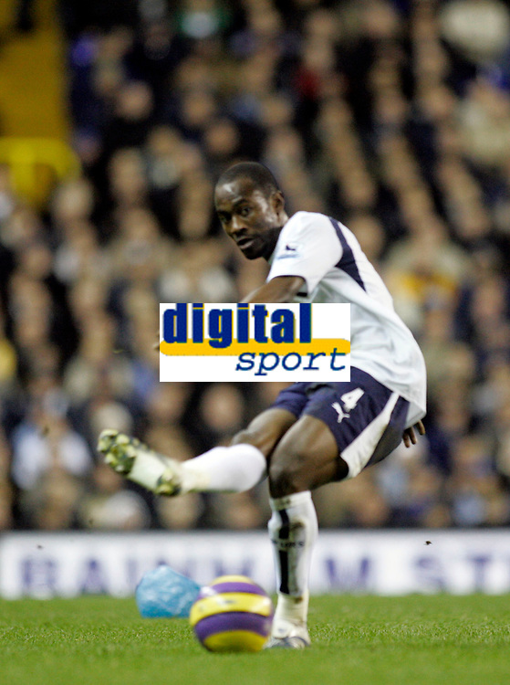 Photo: Marc Atkins.<br /> Tottenham Hotspur v Middlesbrough. The Barclays Premiership. 05/12/2006. Pascal Chimbonda of Spurs in action.