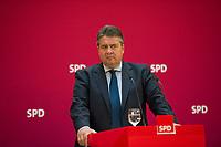 DEU, Deutschland, Germany, Dresden, 25.08.2014: Der SPD-Parteivorsitzende Sigmar Gabriel während einer Pressekonferenz nach der SPD-Präsidiumssitzung im Hotel Westin.