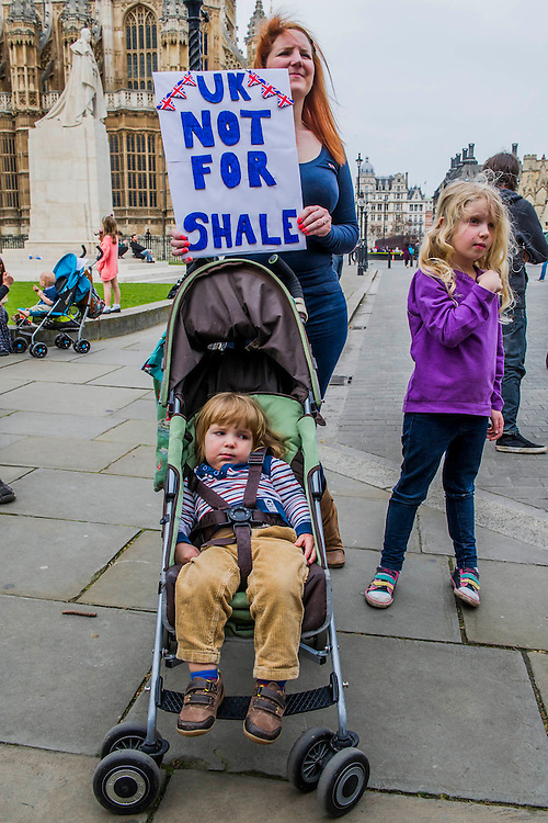 """Bianca Jagger (), Chair of the Bianca Jagger Human Rights Foundation, joined mothers and children at a Mothers Against Fracking rally on Mother's Day.  In a statement, Bianca Jagger said: """"As a mother, a grandmother and soon to be a great grandmother, I am deeply concerned about the impact fracking will have on our way of life. Our environment, our water sources, the air and the land are precious resources which we must conserve if we are to leave a habitable world to future generations. Prime Minister Cameron, I urge you to stop endorsing this hazardous technology. It will be a betrayal of our children, our grandchildren and great grandchildren."""" (On Monday 31st March at 3pm, Mothers Against Fracking will form the 17th group  to hand deliver a letter of protest to David Cameron at 10 Downing Street as part of the Walk the Walk campaign). Old Palace Yard near the House of Lords in Westminster, London, UK, 30th March 2014. Guy Bell, 07771 786236, guy@gbphotos.com"""