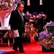 NLD/Amsterdam/20110722 - Afscheidsdienst voor John Kraaijkamp, kist en Lex Daniels