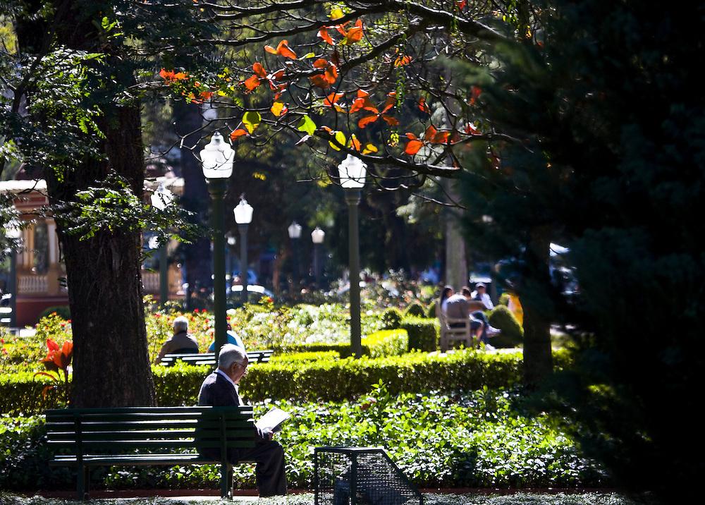 Pocos de Caldas_MG, Brasil...Praca Pedro Sanches em Pocos de Caldas, Minas Gerais...The Pedro Sanches square in Pocos de Caldas, Minas Gerais...Foto: JOAO MARCOS ROSA / NITRO