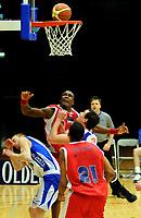 Basket<br /> 27. Mars 2009<br /> 3. finalekamp i sluttspillet<br /> Ulriken - Tromsø 56 - 59<br /> Lars Flydal , Tromsø<br /> Peter Bullock , Ulriken<br /> Dag Christensen , Tromsø<br /> Delano Thomas , Ulriken<br /> Foto : Astrid M. Nordhaug