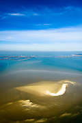 "Nederland, Zeeland, Gemeente Schouwen-Duiveland, 01-04-2016; Oosterschelde met zandplaat Neeltje Jans, Oosterscheldekering en werkeiland Neeltje Jans in de achtergrond. De zandplaten in de Oosterschelde worden kleiner ten gevolge van 'zandhonger', een gevolg van de veranderde waterhuishouding ten gevolg van de aanleg van de stormvloedkering.<br /> Eastern Scheldt with sand bank Neeltje Jans, Oosterscheldekering and work island Neeltje Jans in the background. The sandbanks of the Oosterschelde become smaller due to ""sand starvation"", a result of the changed water balance as a result of the construction of the storm surge barrier.<br /> luchtfoto (toeslag op standard tarieven);<br /> aerial photo (additional fee required);<br /> copyright foto/photo Siebe Swart"