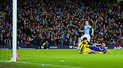15.02.2014, Etihad Stadion, Manchester, ESP, FA Cup, Manchester City vs FC Chelsea, Achtelfinale, im Bild Manchester City's Stevan Jovetic scores the first goal against Chelsea // during the English FA Cup Round of last 16 Match between Manchester City and FC Chelsea at the Etihad Stadion in Manchester, Great Britain on 2014/02/15. EXPA Pictures © 2014, PhotoCredit: EXPA/ Propagandaphoto/ David Rawcliffe<br /> <br /> *****ATTENTION - OUT of ENG, GBR*****