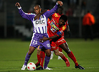 Fotball<br /> Frankrike<br /> Foto: Dppi/Digitalsport<br /> NORWAY ONLY<br /> <br /> FOOTBALL - FRENCH CHAMPIONSHIP 2007/2008 - L1 - LE MANS UC v TOULOUSE FC - 28/10/2007 - PAULO CESAR (TOU) /  ROMARIC NDRI  (MANS)