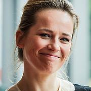 NLD/Amsterdam/20140428 - Perspresentatie cast Bedscenes, (VLNR) Guy Clemens, Lies Visschedijk, Peter Bolhuis, Loes Luca, Tjitske Reidinga, Dick van den Toorn, Tina de Bruin en Xander van Vledder