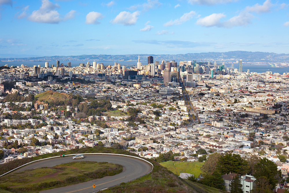 Panoramic view of San Francisco from Twin Peaks park, California, USA