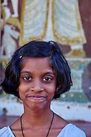 Sri Lanka, province du centre, Kandy, ville classée patrimoine mondial de l'UNESCO, Temple de la Dent (Sri Dalada Maligawa) qui renferme une relique de dent de Bouddha, écoliers en visite // Sri Lanka, Ceylon, North Central Province, Kandy, UNESCO World Heritage city, Tooth's temple, schoolchildren