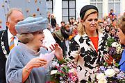 Koninginnedag 2010 . De Koninklijke familie in het zeeuwse  Middelburg. / Queensday 2010. De Royal Family in Middelburg.<br /> <br /> op de foto / on the photo Koningin/Queen Beatrix en Prinses Maxima