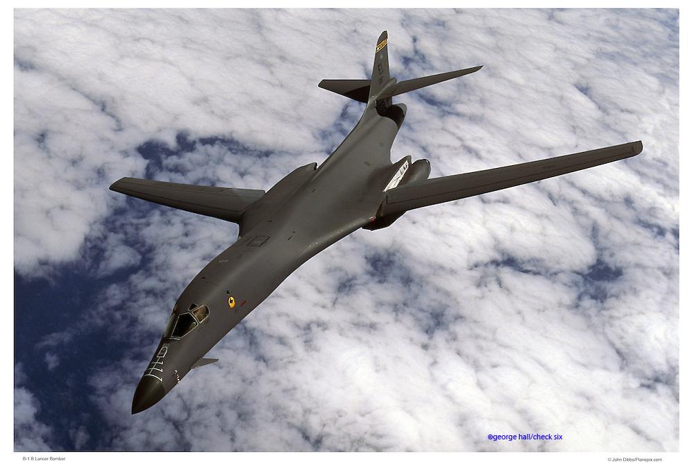 B-1 bomber, air-to-air
