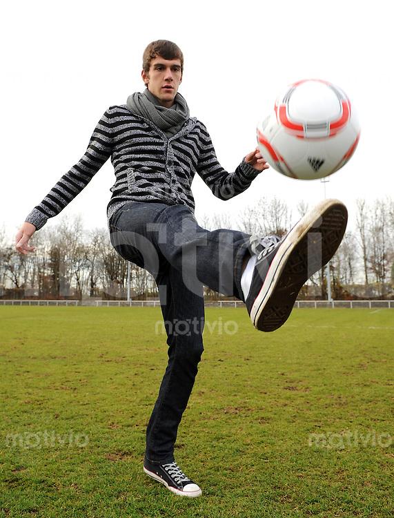 2. Fussball Bundesliga:  Saison   2010/2011   1860 Muenchen Training   10.11.2010 Stefan Bell (1860 Muenchen)