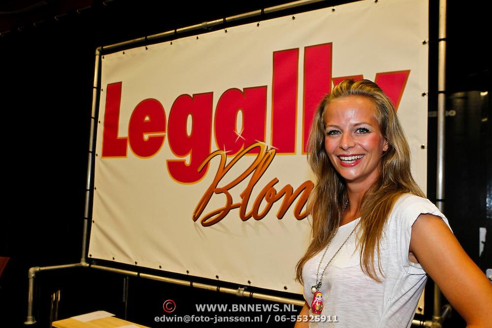 NLD/Amsterdam/20100823 - Perspresentatie musical Legally Blonde, Cindy Bell