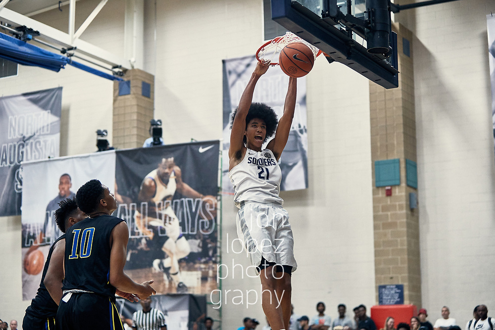 NORTH AUGUSTA, SC. SATURDAY JULY 15, 2017. Peach Jam. Mason Forbes #21 of the Oakland Soldiers dunks. NOTE TO USER: Mandatory Copyright Notice: Photo by Jon Lopez