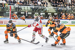 10.03.2019, Merkur Eisstadion, Graz, AUT, EBEL, Moser Medical Graz 99ers vs HCB Suedtirol Alperia, Platzierungsrunde, 54. Runde, im Bild v.l.: Amadeus Benito Egger (Moser Medical Graz 99ers), Daniel Frank (HCB Südtirol Alperia), Peter Robin Weihager (Moser Medical Graz 99ers) // during the Erste Bank Eishockey League 54th round match between Moser Medical Graz 99ers and HCB Suedtirol Alperia at the Merkur Eisstadion in Graz, Austria on 2019/03/10. EXPA Pictures © 2019, PhotoCredit: EXPA/ Dominik Angerer