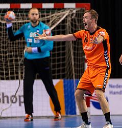 11-04-2019 NED: Netherlands - Slovenia, Almere<br /> Third match 2020 men European Championship Qualifiers in Topsportcentrum in Almere. Slovenia win 26-27 / Bobby Schagen #14 of Netherlands
