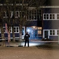 Kristiansand  20161205.<br /> Politiet undersøker i området der der to personer døde av skadene etter knivstikking ved Wilds Minne skole i Kristiansand mandag ettermiddag. <br /> Foto: Tor Erik Schrøder / NTB scanpix