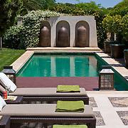 Modern Pool 544