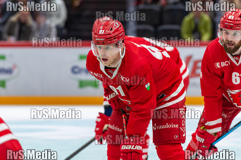 LAUSANNE, SWITZERLAND - NOVEMBER 23: #91 Joel Vermin of Lausanne HC looks on during the Swiss National League game between Lausanne HC and Geneve-Servette HC at Vaudoise Arena on November 23, 2019 in Lausanne, Switzerland. (Photo by Monika Majer/RvS.Media)