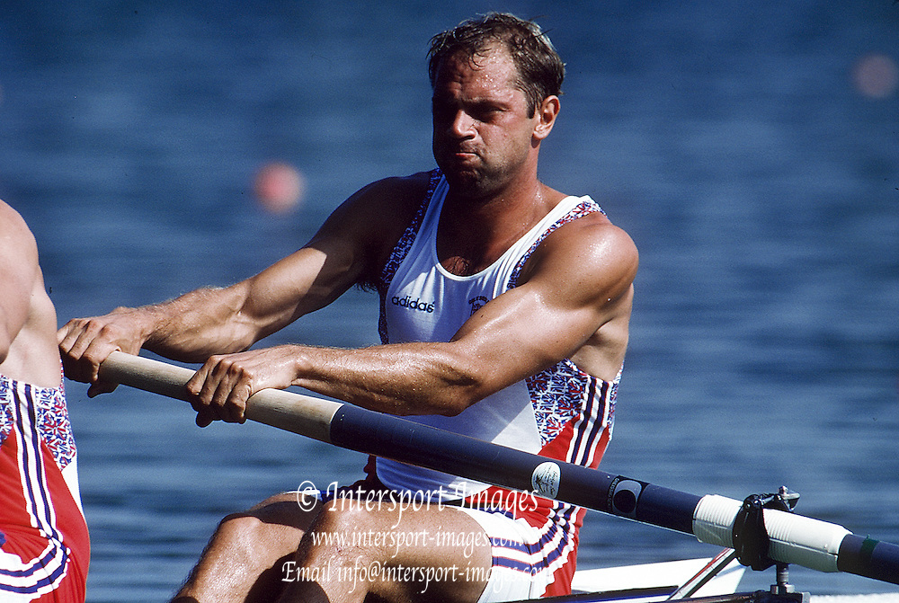 Barcelona,  SPAIN, Steve REDGRAVE, 1992 Olympic Regatta. Lake Banyoles, Nr Barcelona SPAIN,  [Photo, Peter Spurrier/Intersport-images].....