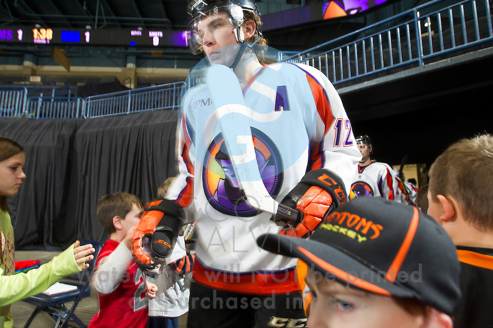 Youngstown Phantoms defeat USA NTDP 3-1 at the Covelli Centre on December 31, 2016.<br /> <br /> Austin Pooley, forward, 12