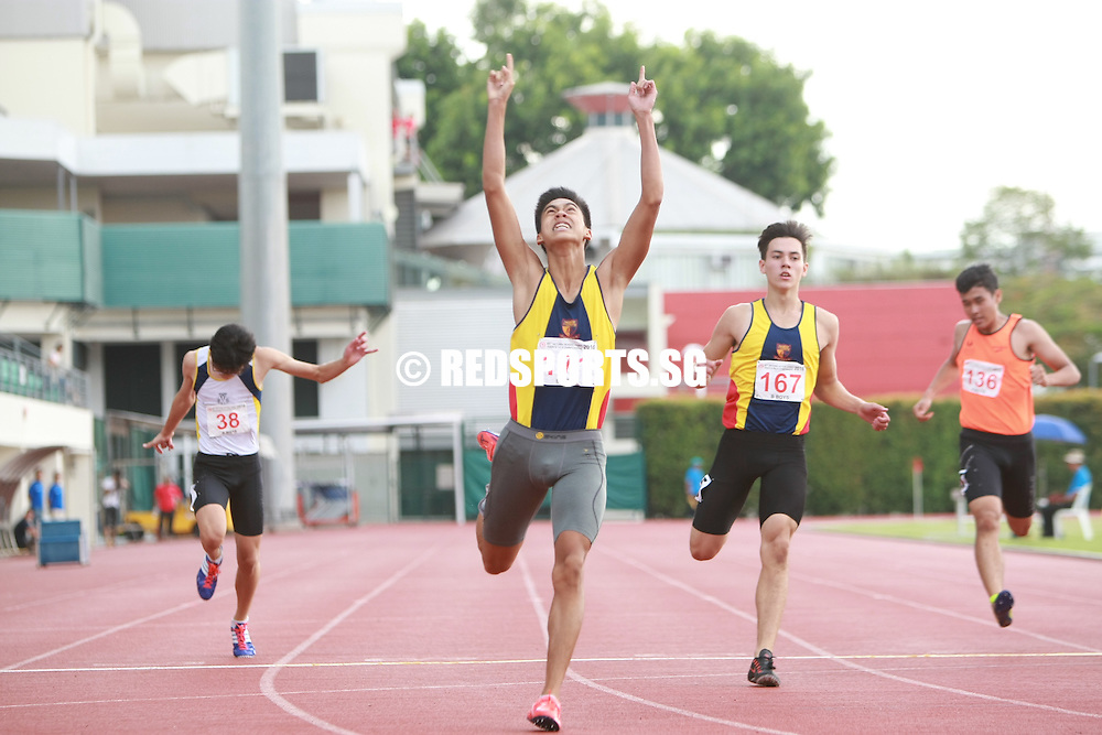 Bishan Stadium, Monday, April 25, 2016 — Joshua Lim of Anglo-Chinese School (Independent) clocked 22.35 seconds to claim the B Division Boys' 200 metres gold at the 57th National Schools Track and Field Championships.<br /> <br /> David Tameeris (22.80s) made it a one-two finish for ACS(I), while Ho Jun De of Victoria School finished third in 23.09s.