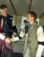 Skyting. Landsskytterstevnet 2000 Elverum. Artur Kårstad, Osterøy, (t.h.) og Rune Solberg, Nordre Land, (t.v.)