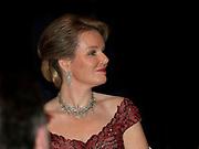 Staatsbezoek aan Nederland van Zijne Majesteit Koning Filip der Belgen vergezeld door Hare Majesteit Koningin <br /> Mathilde aan Nederland.<br /> <br /> State Visit to the Netherlands of His Majesty King of the Belgians Filip accompanied by Her Majesty Queen<br /> Mathilde Netherlands<br /> <br /> op de foto / On the photo: Contraprestatie in Muziekgebouw 't IJ van het Belgische koningspaar tijdens het driedaags staatsbezoek met koningin Mathilde //// Contraprestatie in Music Building 't IJ of the Belgian royal couple during the three-day state visit by Queen Matilda