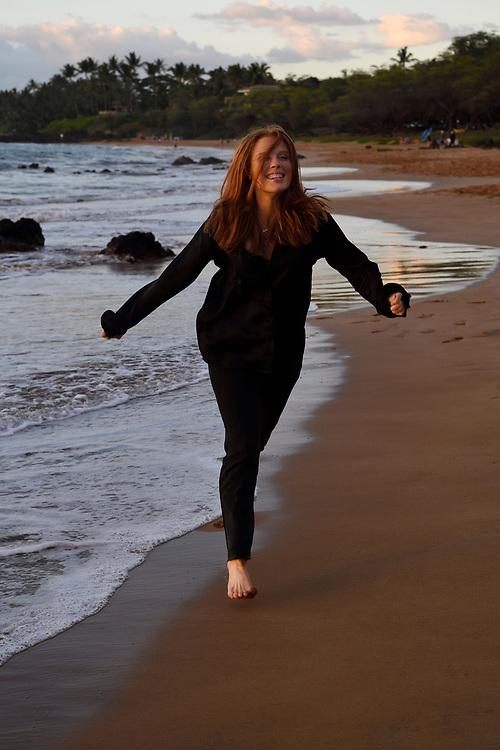 Mimmi Widstrand, walk by the sea on the beach, Maui, Hawaii.