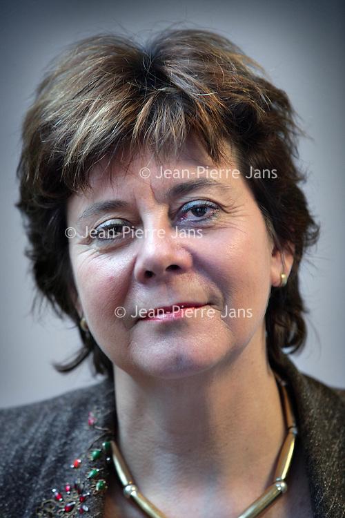 Nederland, Den Haag.14 december 2008..Maria Cornelia Frederika (Rita) Verdonk (Utrecht, 18 oktober 1955) is een Nederlandse politica..Op 14 september 2007 werd ze uit de fractie van de VVD gezet.[1] Op 15 oktober 2007 zegde ze haar lidmaatschap van de VVD op.[2] Twee dagen later maakte ze bekend een beweging met de werktitel Trots op Nederland op te richten..In december 2007 won zij de verkiezing politicus van het jaar 2007. Right wing politician Rita Verdonk.