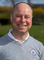 HALFWEG / AMSTERDAM - Golfpro  David Sijnke  van de Amsterdamse Golf Club , AGC, voor clubblad Birdie.    COPYRIGHT KOEN SUYK