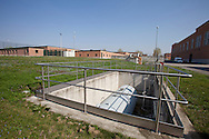 Nosedo, Milano : Impianto di depurazione delle acque reflue. Nella foto un serbatoio di olio diatermico. Nosedo Waste Water Treatment plant