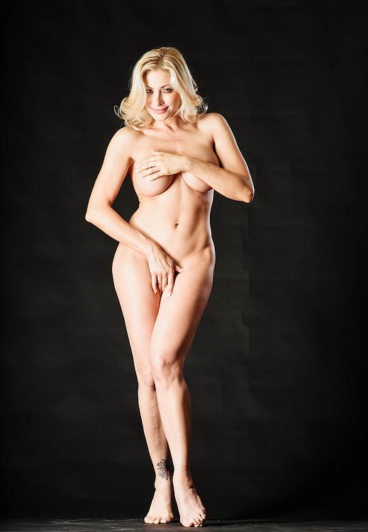 01 JUL 2011 - Vittoria Risi, porno attrice, ex agente immobiliare