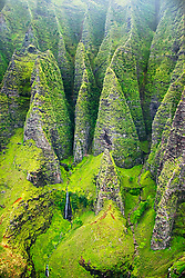 Unnamed waterfalls, Honopu Valley, Na Pali coast, Kauai, Hawaii, Pacific Ocean