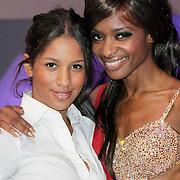 NLD/Hilversum/20120901 - 2de liveshow AVRO Strictly Come Dancing 2012, Sylvana Simons en dochter