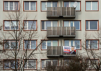 Bialystok, 22.02.2020. N/z samotnie wiszacy plakat wyborczy Andrzeja Dudy na blokowisku fot Michal Kosc / AGENCJA WSCHOD