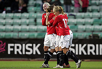 Fotball<br /> Play Off VM kvinner 2011<br /> Norge v Ukraina 2:0 (3:0)<br /> 15.09.2010<br /> Foto: Morten Olsen, Digitalsport<br /> <br /> Norge jubler for 2:0<br /> Cecilie Pedersen (L) og Lene Mykjåland (17) - Norge