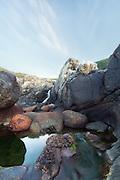 Landscape by the shoreline, nearby Flø, Ulsteinvik, Norway | Landskap ved strandlinjen i nærheten av Flø, Ulsteinvik, Norge