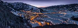 THEMENBILD - der mit Schnee-bedeckte Ort Kaprun in der Dämmerung, aufgenommen am 22. Januar 2019 in Kaprun, Oesterreich // the snow-covered village of Kaprun in the twilight in Kaprun, Austria on 2019/01/22. EXPA Pictures © 2019, PhotoCredit: EXPA/ JFK