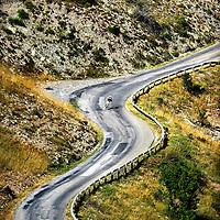 Frankrijk, Col d'Allos, 22-07-2015.<br /> Wielrennen, Tour de France.<br /> Etappe van Digne-Les-Bains naar Pra Loup<br /> Steven Kruijswijk van de Lotto-Jumbo wielerploeg in de afdaling van de Col d'Allos op weg naar de finish.Kruijswijk was flink in de aanval en ligt hier nog voor de groep met Froome.<br /> Foto: Klaas Jan van der Weij